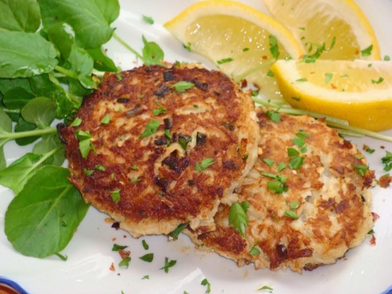 Keto Crab Cake Recipes: Crispy Flourless Crab Cakes